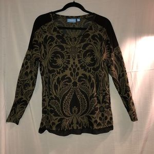 Vera Wang top in excellent condition.